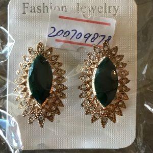 Fashion Earrings.Beautiful & elegant earrings New